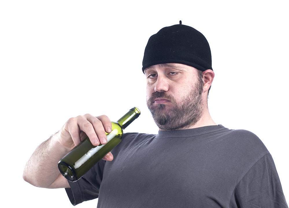 I 3 tipi (peggiori) di bevitore di vino