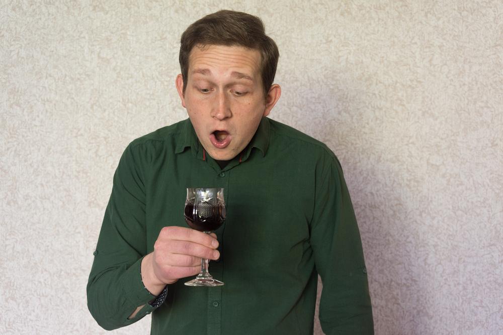 Kissing a stranger, il distillato dal vino sputato