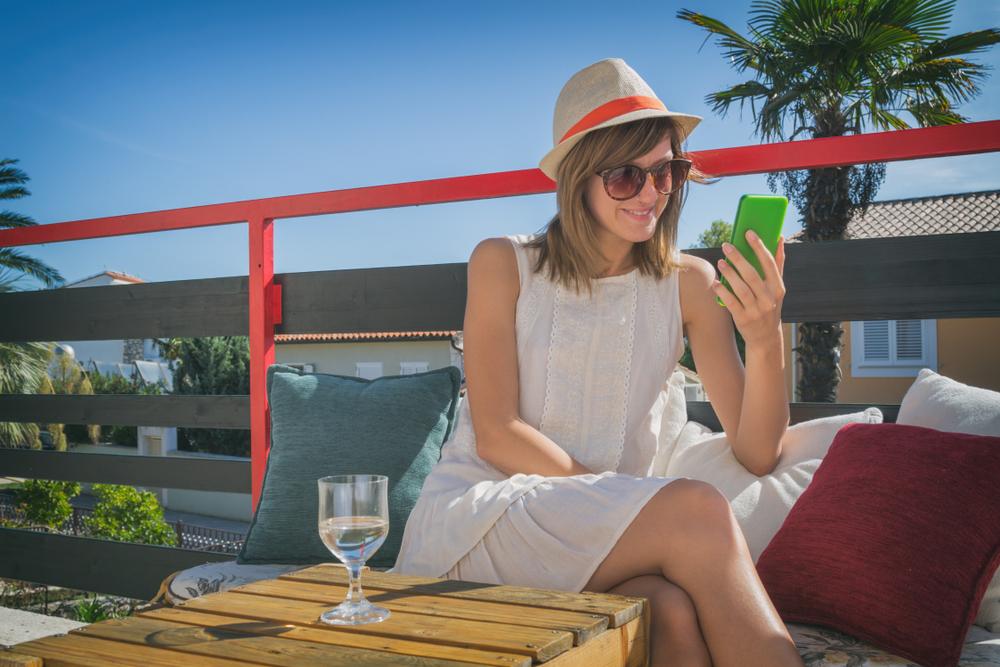 Le ragioni per cui vorremmo un'emoji del vino bianco