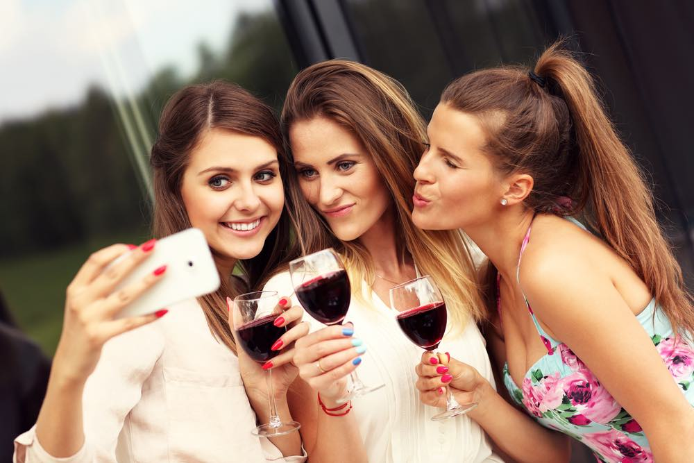 Wine and Selfies: The Perfect Relationship