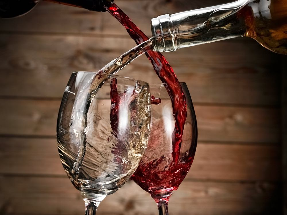 Let It Wine Facts – Swirling Wine Makes It Taste Better