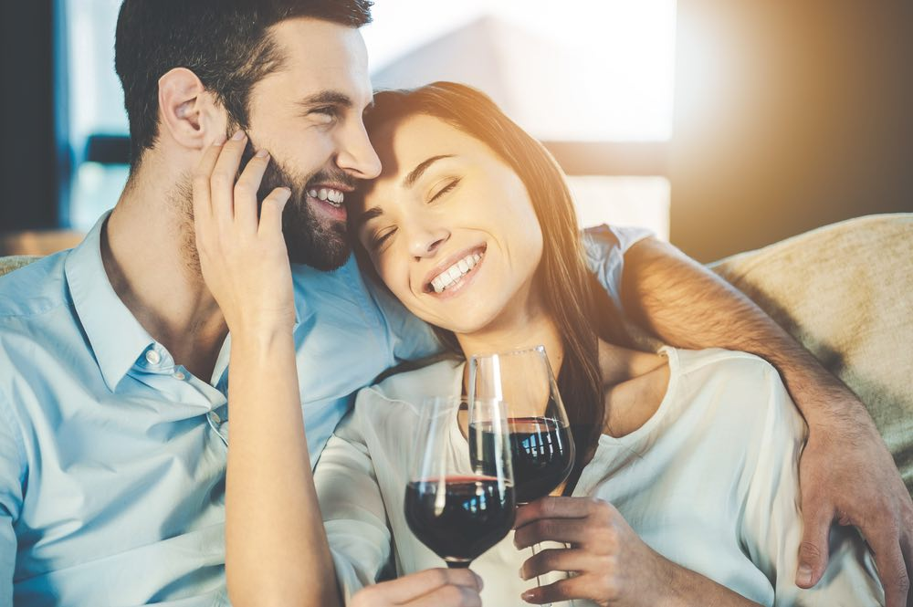 The Benefits of Wine on Relationships