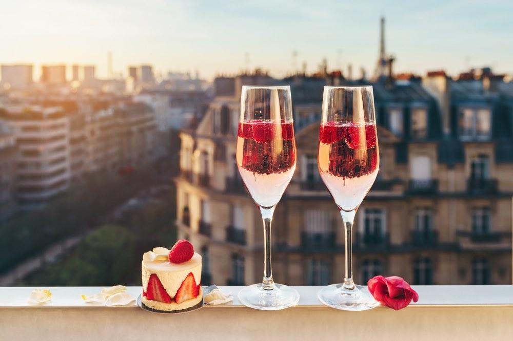 Spumante Brut & Dessert – All the Food & Wine Mistakes We Make on NYE