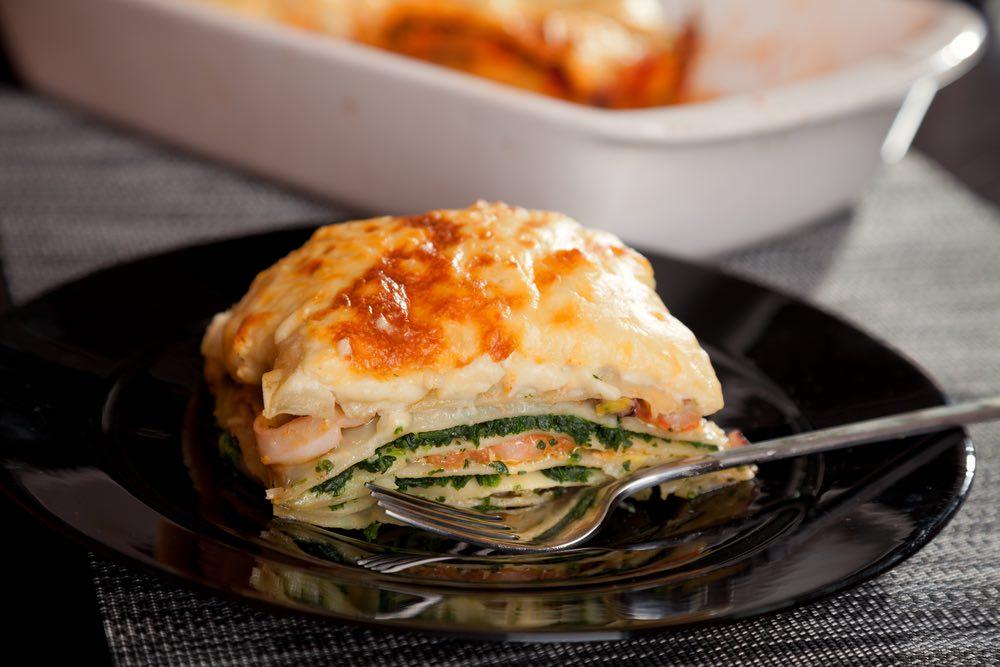 Fai il pieno di omega-3 con la lasagna al salmone: la ricetta