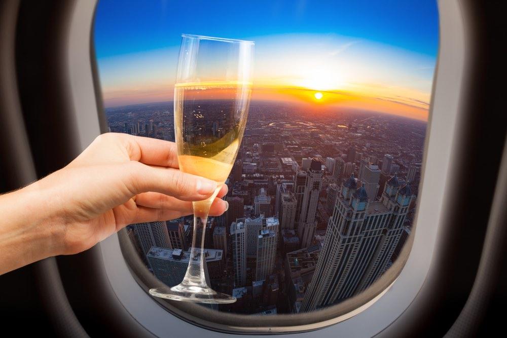 Come degustare un calice di vino in aereo