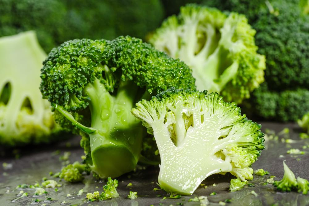 La ricetta siciliana dei broccoli affogati al vino rosso