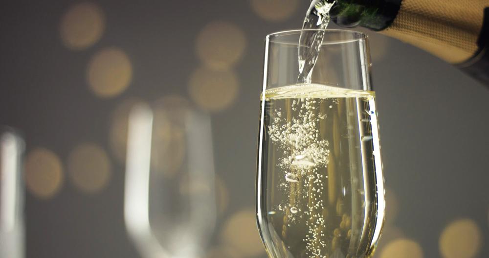 Feste e spumante: il galateo del brindisi